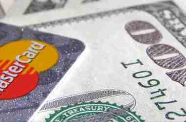Comprar passagem com milhas: quais as formas de pagamento?